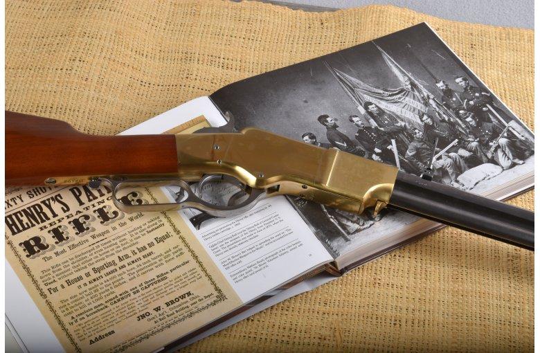 350.042 HEGE Uberti 1860 Henry Sonderserie mit Messingsystem